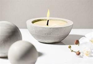 Basteln Mit Wachs : citronella kerze aus kreativ beton basteln mit buttinette diy pinterest basteln kerzen ~ Orissabook.com Haus und Dekorationen