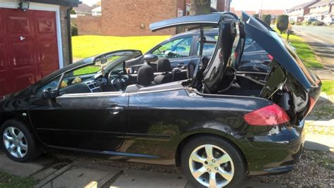 Lovely 2006 Peugeot 307 Cc Convertible In Black Good Condition