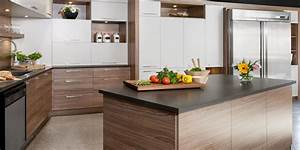 armoires de melamine armoires cuisines action With superb peinture couleur bois clair 2 bois clair et jeux de couleurs aux murs pour une cuisine