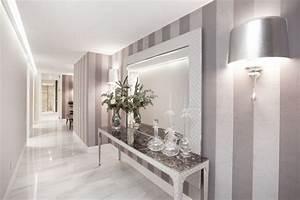 Flur Gestalten Wände Grau : tapeten flur streifen grau wei 30 flur deko ideen wie kann man renovieren pinterest ~ Bigdaddyawards.com Haus und Dekorationen