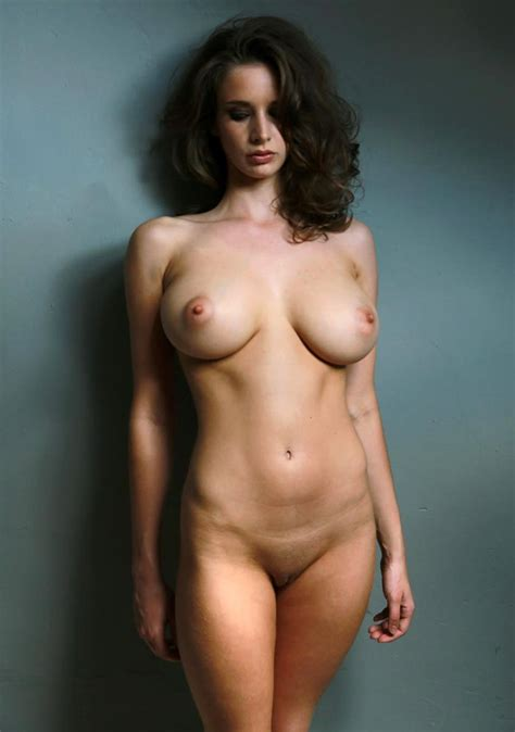 Emily Agnes Nude Big Tits On Her Private Pics Scandal