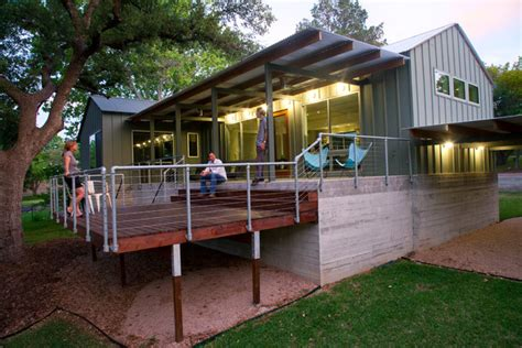 elm lodge modern porch austin  furman keil