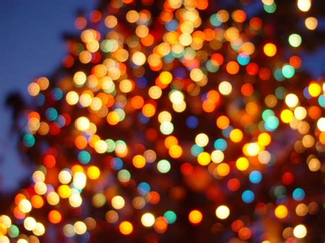 Twirling Clare Lights Color Christmas