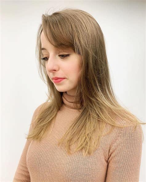 wunderschoene beispiele fuer langes haar mit seitenknallen lange frisuren