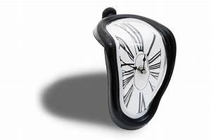 Wohnzimmer Uhren Zum Hinstellen : schmelzende uhr zerflie ende melting clock ~ Markanthonyermac.com Haus und Dekorationen