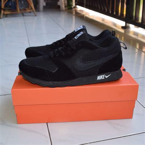 Harga Sepatu Reebok Hitam Polos sepatu sekolah hitam nike md runner hitam polos