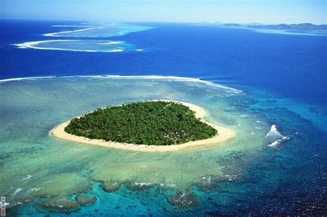 12 naturally shaped islands that will blow your mind