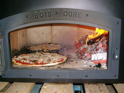 cuisine four a bois four à pizza au feu de bois radio mélodie com