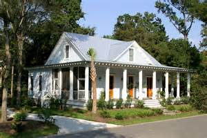 Delightful Low Country Architecture by Cobb Architects 66 Hopetown Road I On Mount Pleasant Sc