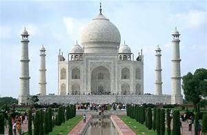 Taj Mahal, The Symbol Of Love In Agra Uttar Pradesh, India ...