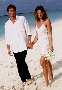 Cindy crawford the best celebrity wedding dresses of all for Cindy crawford wedding dress
