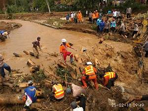 Indonesian Scouts join rescue teams following Java ...