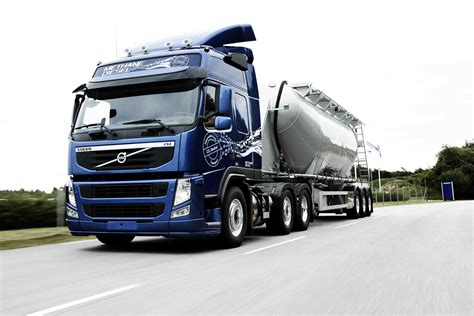 volvo lorries volvo truck amazing pictures video to volvo truck