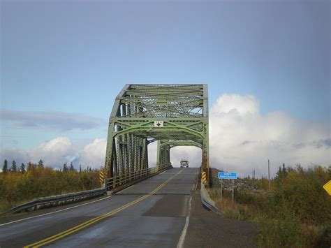 Yellowknife Highway - Wikipedia
