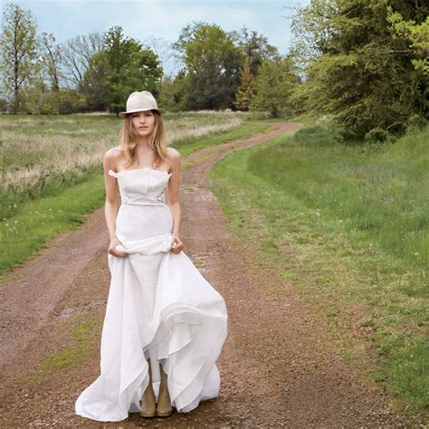 wedding dresses for an outdoor wedding brides