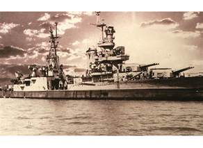 survivor of uss indianapolis ship sinking keeps story
