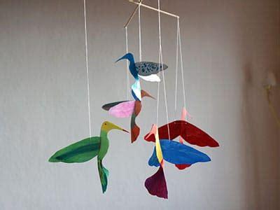 vogel basteln aus papier buntes vogel mobile basteln kreativraum24