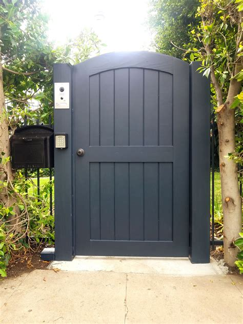 arched top automatic  entry driveway security gates