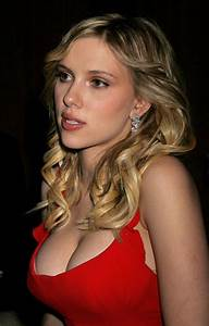Web Parkz: Scarlett Johansson Biography and Pictures Gallery 2011
