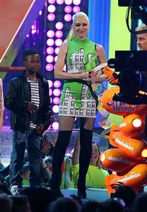 GWEN STEFANI on the Stage at Nickelodeon 2017 Kids' Choice ...