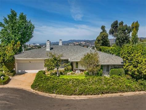 elon musk house elon musk buys fifth house in los angeles variety