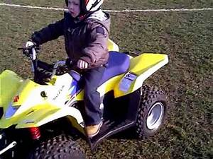 Quad Suzuki 50 : 3 year old on suzuki ltz 50 quad bike youtube ~ Medecine-chirurgie-esthetiques.com Avis de Voitures