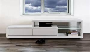 Table Pour Tv : table basse style nordique en bois ronde v n setti ~ Teatrodelosmanantiales.com Idées de Décoration