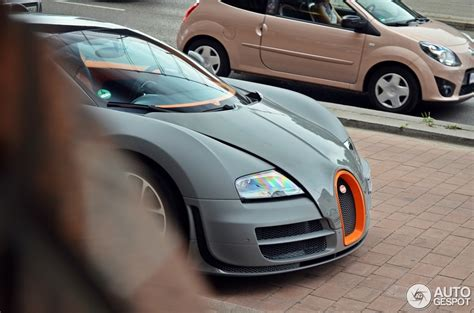 Gray Bugatti Veyron Vitesse Front Detail Spotted In