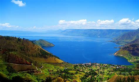 natural beauty  lake toba  sumatra utara