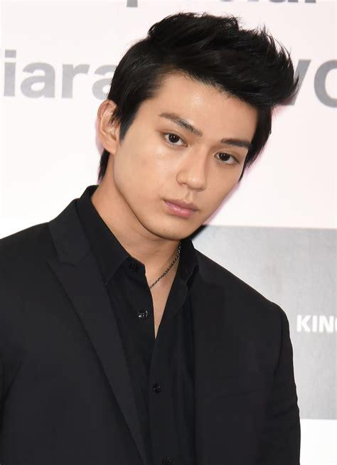 二 世 俳優 x
