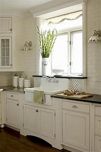 35 cozy and chic farmhouse kitchen decor ideas digsdigs With kitchen colors with white cabinets with farmhouse style wall art