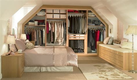 chambre sous pente de toit chambre sous pente de toit 13 placard sous pente