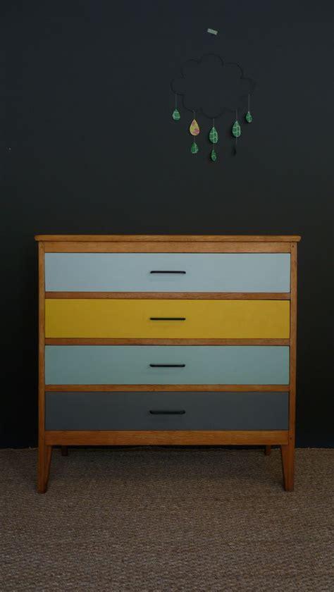 repeindre chambre repeindre une chambre en 2 couleurs decoration peindre