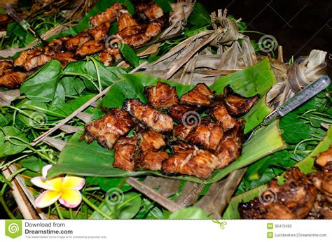 island cuisine tropical food served outdoor in aitutaki lagoon cook