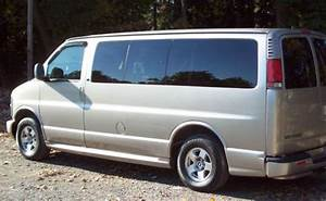 Sell Used 2001 Chevrolet Express Lt Edition 7 Passenger V8 5 7l Chevy Van 1500 Gmc Savana In