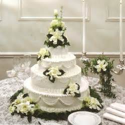 traditional wedding cake traditional wedding cakes