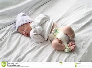 Newborn Baby Sleeping In Hospital Stock Images - Image ...
