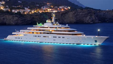 top  largest yachts   world robb report