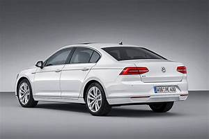 Volkswagen Passat Gte : volkswagen reveals passat gte plug in hybrid ~ Medecine-chirurgie-esthetiques.com Avis de Voitures