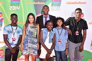 Metta World Peace Photos Photos - Arrivals at the ...