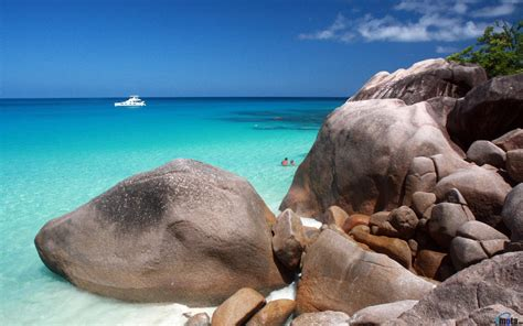 Download Wallpaper Huge stones on Anse Lazio, Seychelles ...