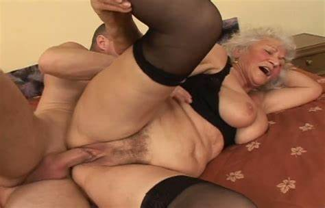 Tara Holiday Pussy By Youthful Boy In The Bedr