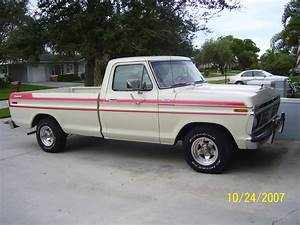 1977 Ford F-100 Custom Explorer Pickup