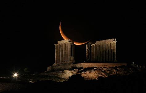 supermoon appeared  athens greece xcitefunnet