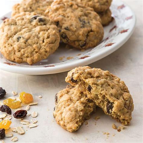 The deen family christmas special. Oatmeal Raisin Cookies - Paula Deen Magazine   Recipe ...