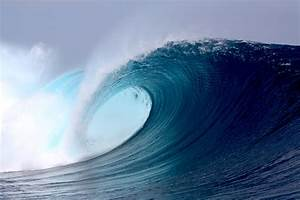 'Freak' ocean waves hit without warning, new research ...  Wave