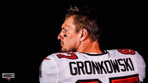images  rob gronkowski  buccaneers uniform
