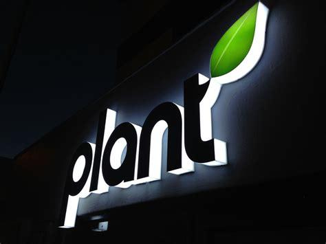 retail signage  plant brandbrilliance