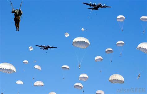 parachuting safe  pictures