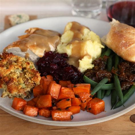 food on thanksgiving easy thanksgiving feast ideas popsugar food